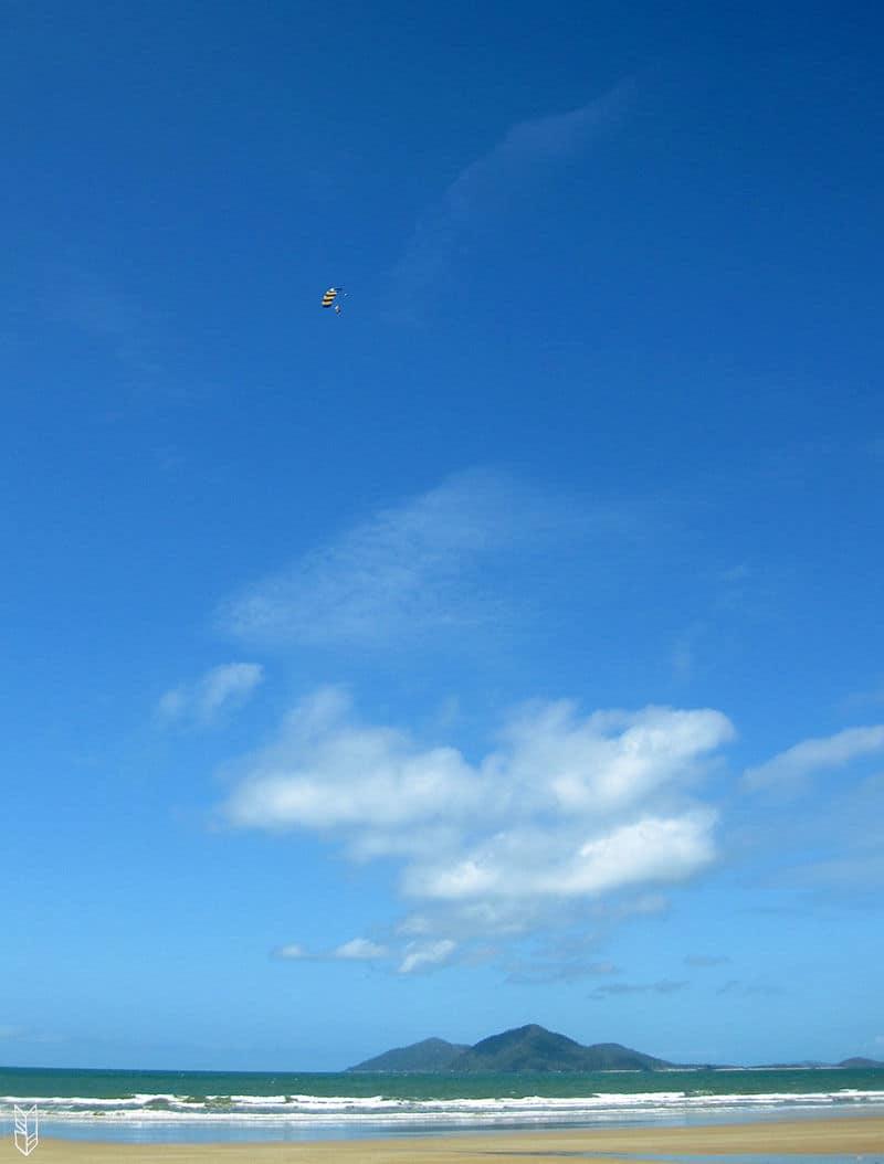 Faire un Saut en Parachute au dessus de la Barrière de Corail en Australie
