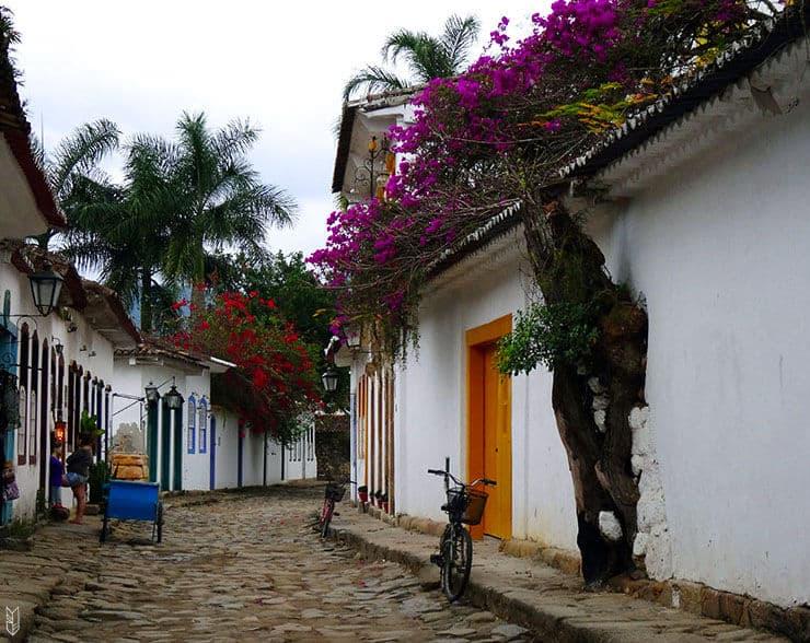 les rues de Paraty au Brésil