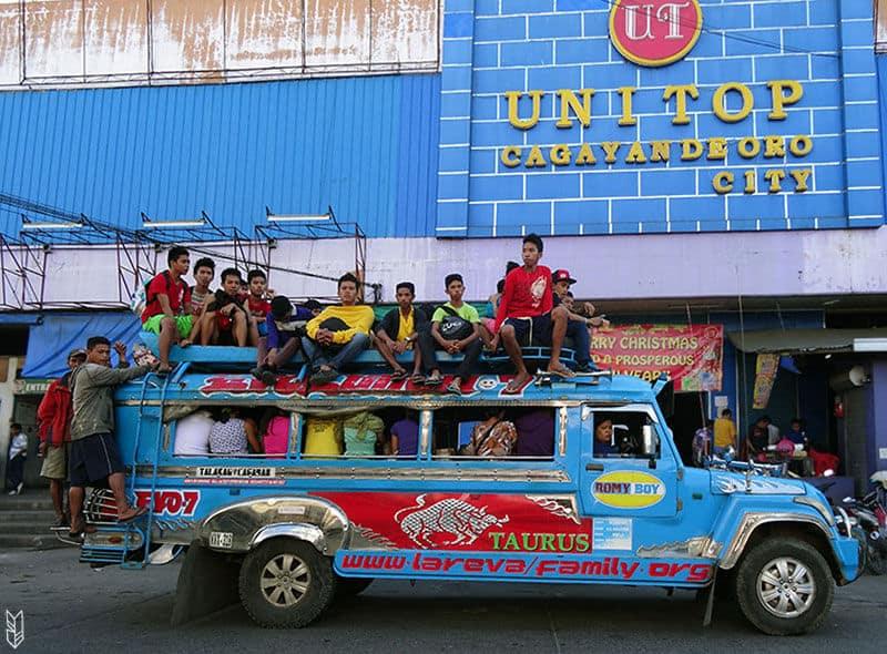 jeepneys aux Philippines