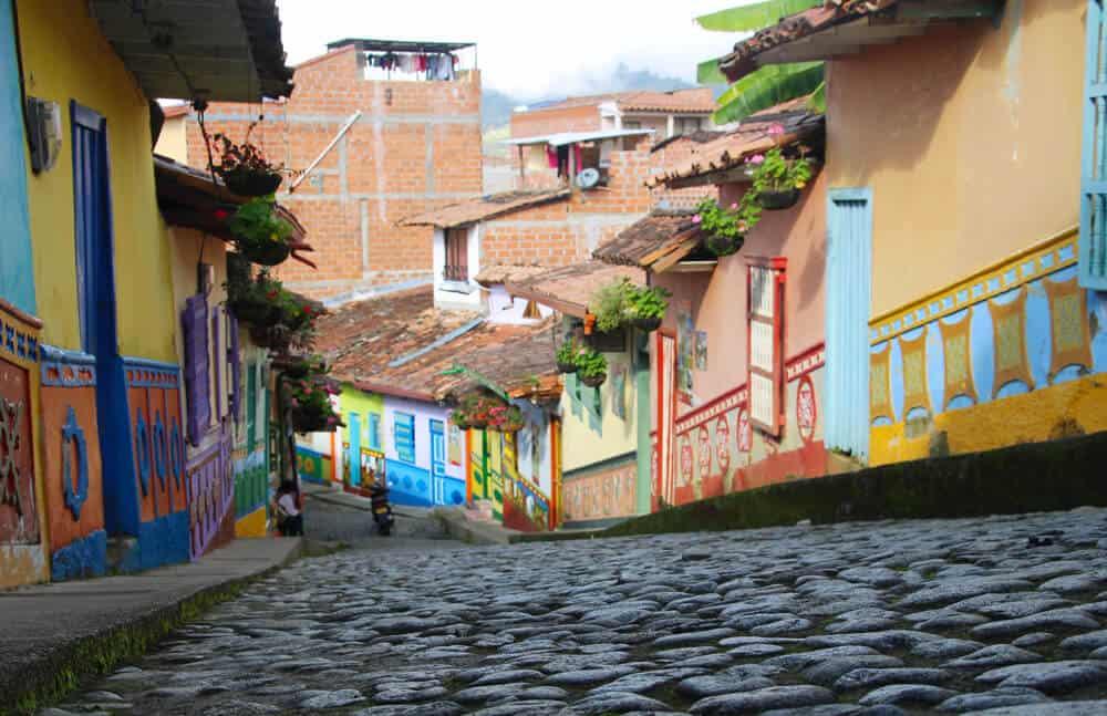 faire un PVT en Colombie - Guatapé