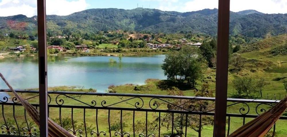 lake-view-hotel-auberge-guatape-colombie